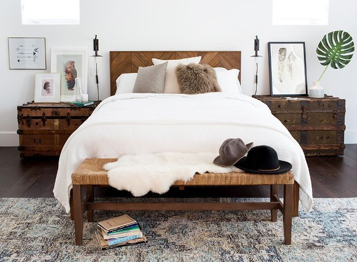 content_cdn.cliqueinc.com__cache__posts__204383__how-to-create-a-cool-girl-bedroom-youll-want-to-cozy-up-in-1922949-1475262828.700x0c-0cfbc4ae2ff54b9ab6a9a42620e0d6cb.jpg